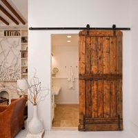 Simple et original: la porte de grange coulissante