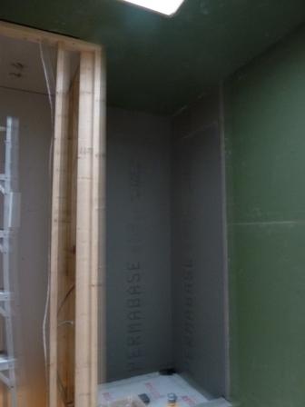 douche céramique paroi de béton