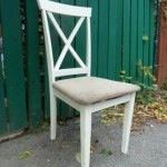 Restaurer une vieille chaise trouvée dans la rue
