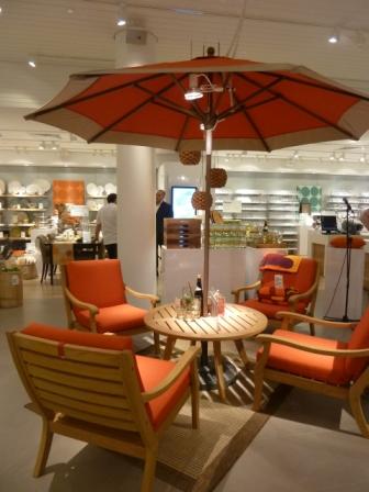 table chaise orange jardin crate and barrel montréal