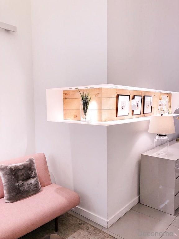 niche éclairée dans un mur de coin / corner shelve and niche