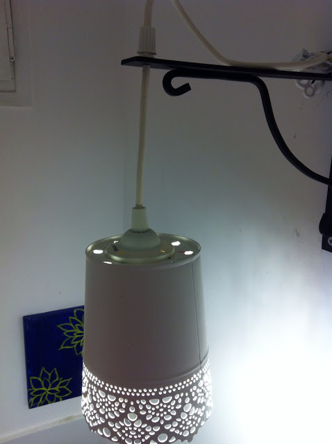 Pot de fleur IKEA transformé en abat-jour