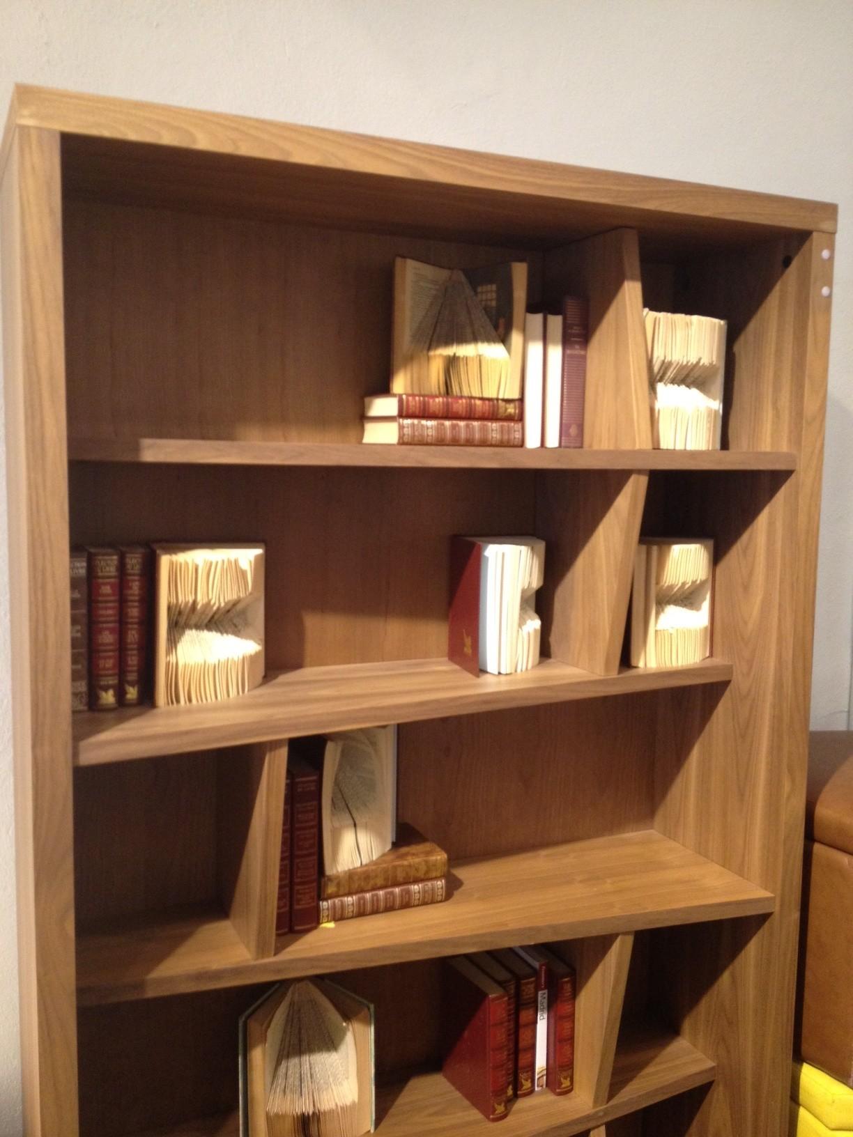 sculptures de livres une touche d 39 originalit dans la. Black Bedroom Furniture Sets. Home Design Ideas