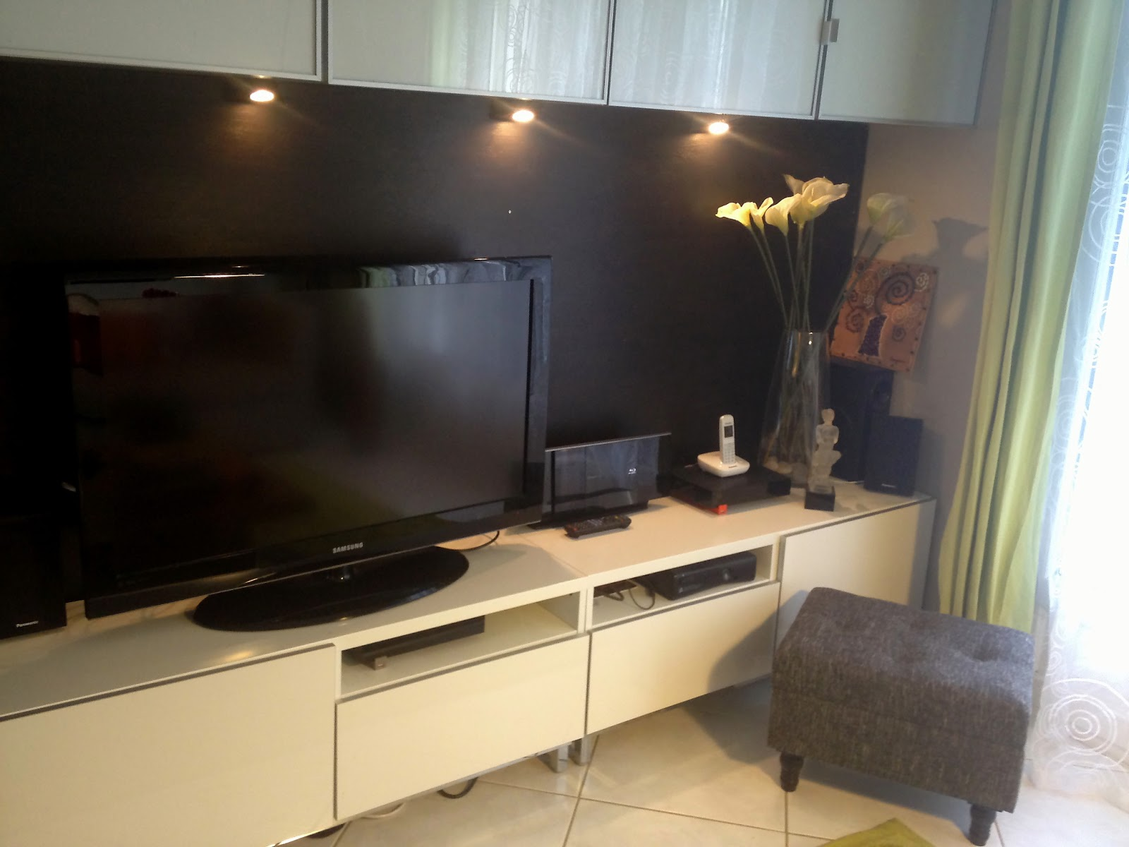 Solutions Pour Cacher La T L D Conome # Meuble Tv A Accrocher Au Mur