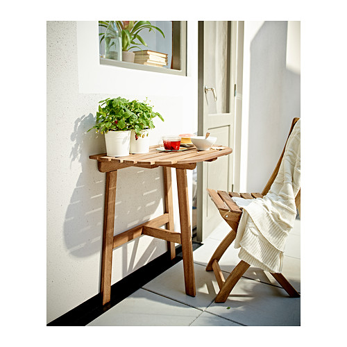 5 tables id ales pour les petits balcons d conome for Table de balcon ikea