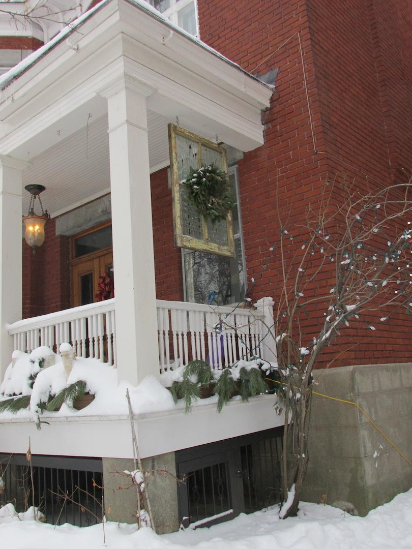 couronne fenêtre Noël Montréal