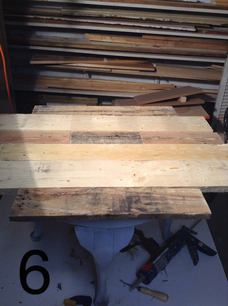 Recouvrir une table basse en bois de palette d conome Table basse planche bois