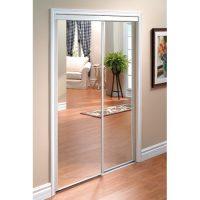 Fabriquer un miroir plein pied avec de vieilles portes coulissantes