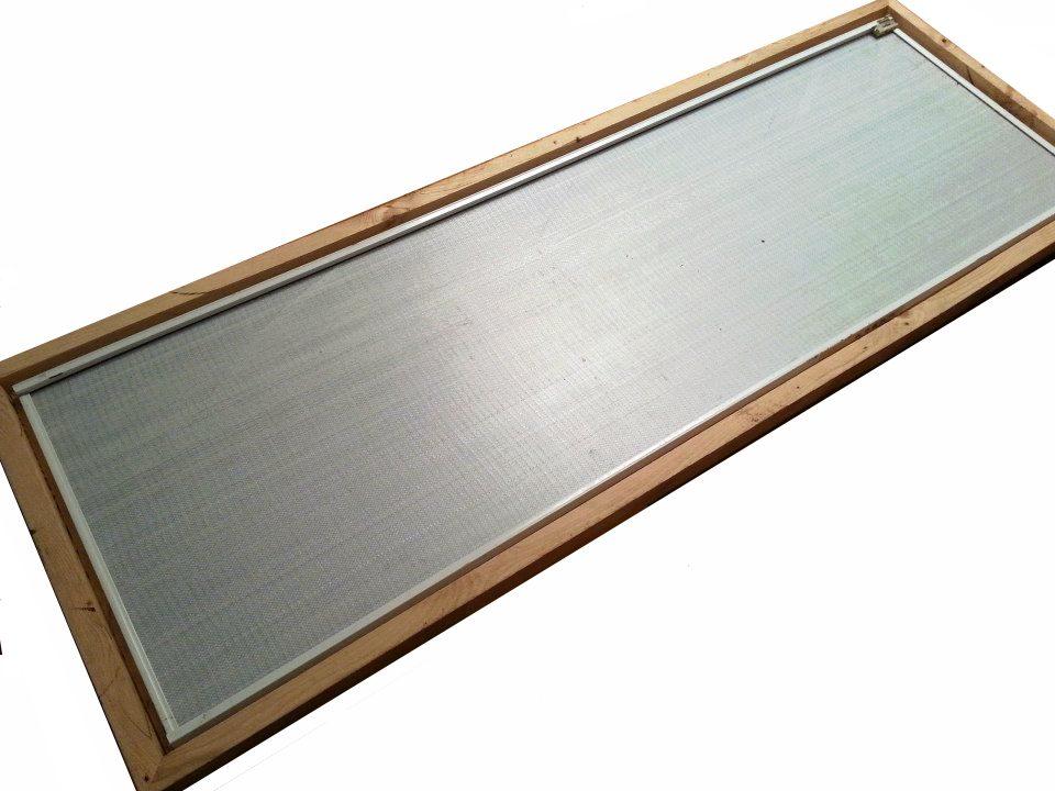 porte miroir dans cadre en bois