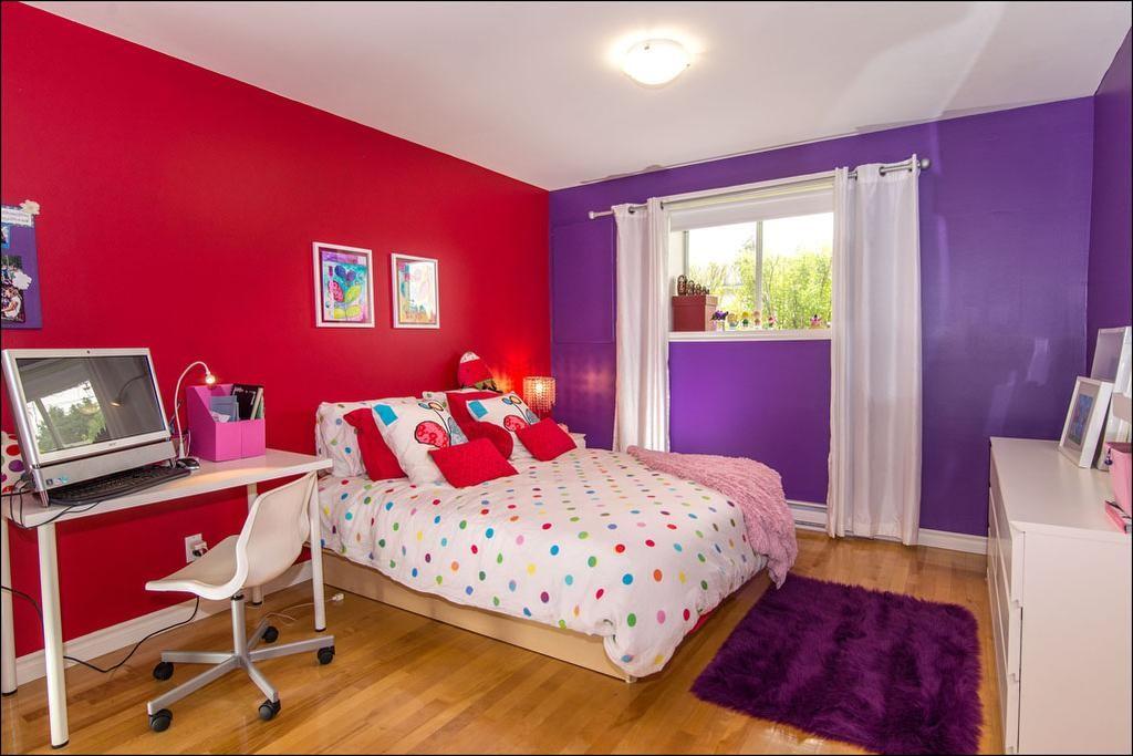 chambre enfant rouge et fuschia