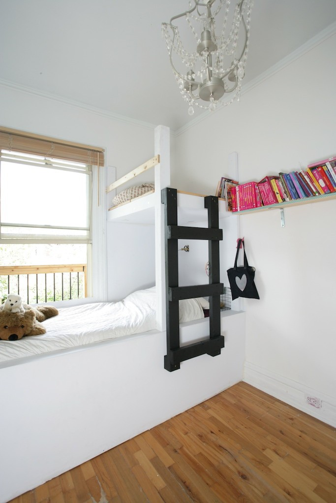 la chambre de lily d conome. Black Bedroom Furniture Sets. Home Design Ideas