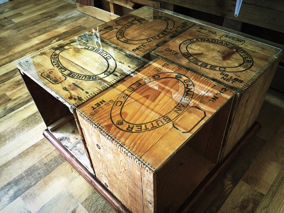 Diy une table basse avec des caisses de bois d conome - Achat de bois en ligne ...