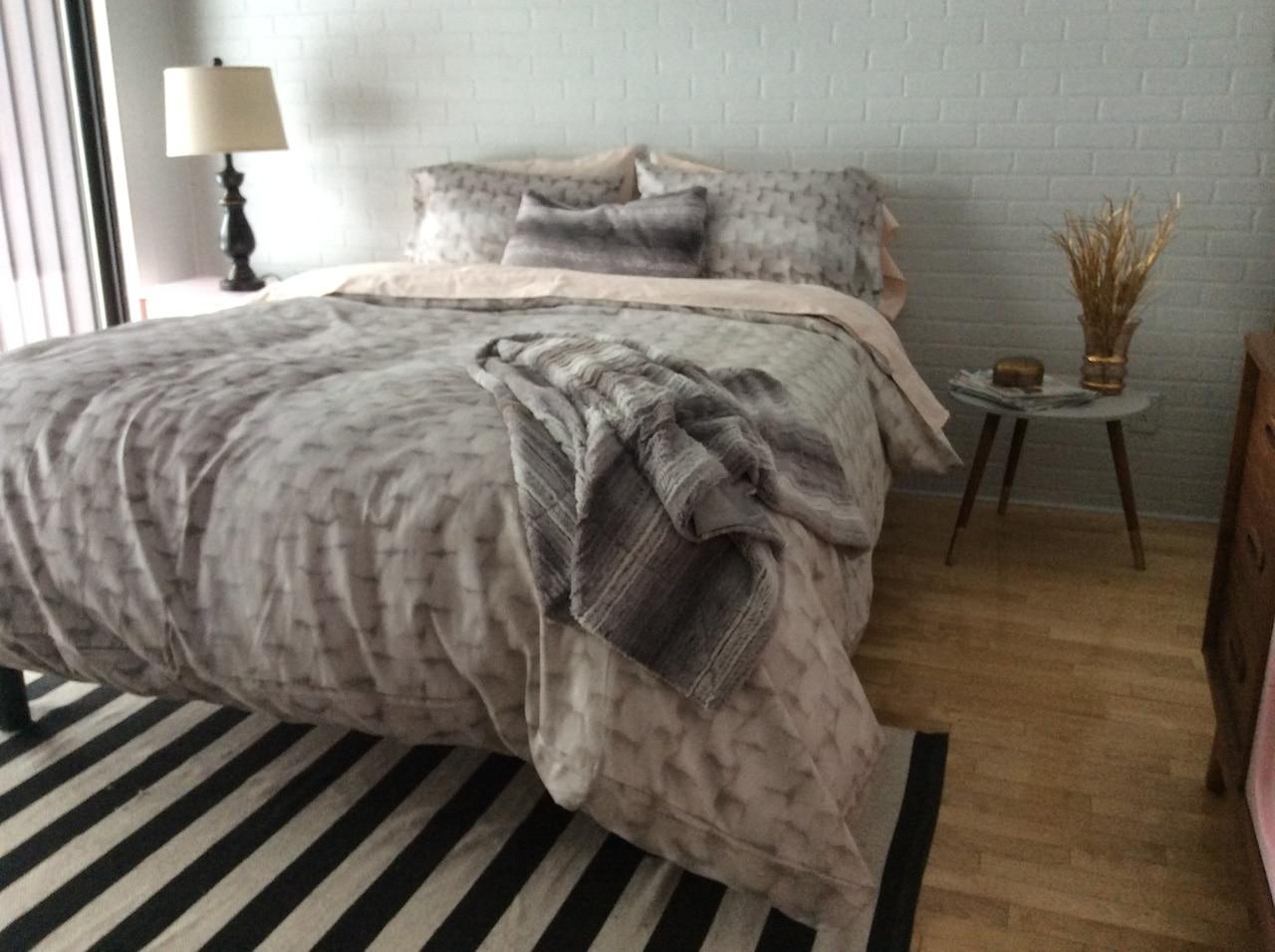 avant apr s une chambre transform e pour moins de 800 d conome. Black Bedroom Furniture Sets. Home Design Ideas