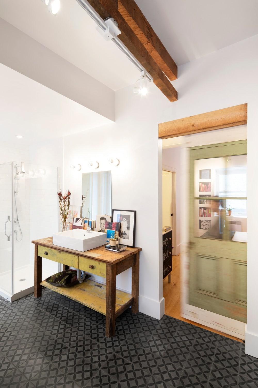 salle de bain récup bois recyclé