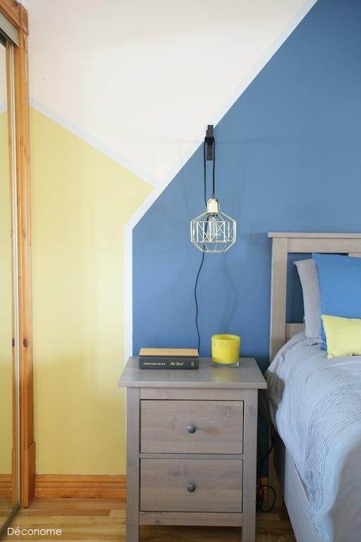 Geometric paint color blocs / color blocs de peinture bleu jaune et rose géométriques