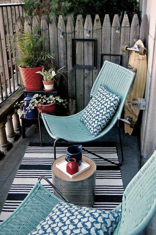 Idée de déco pour un petit balcon scandinave