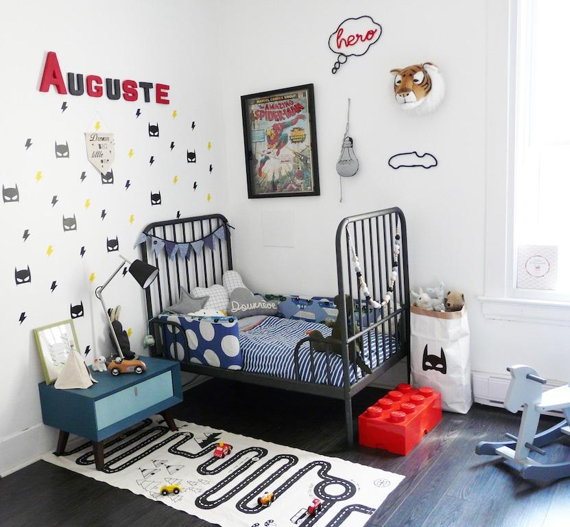 chambre enfant superhéros stickers muraux batman et mots en tricotin