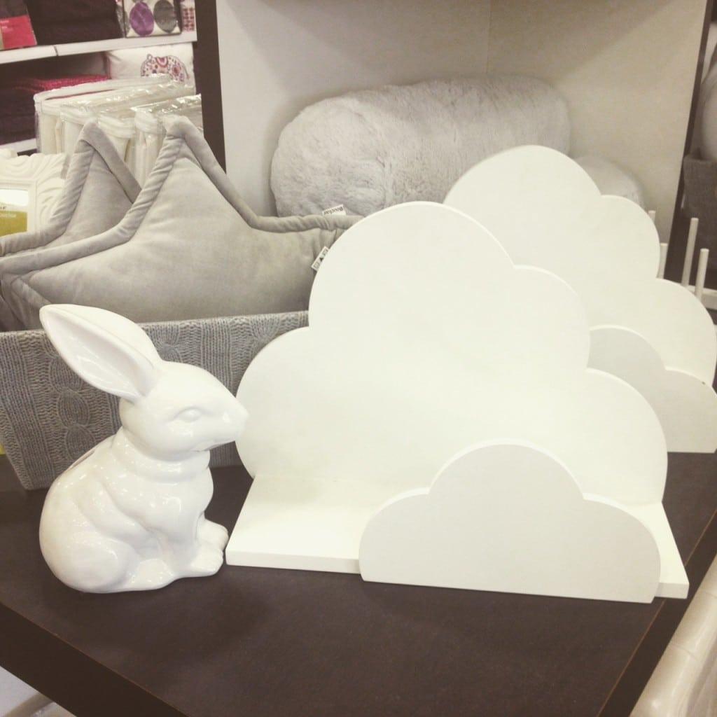 Bouclair - étagère nuage - 24.99$
