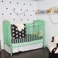 Une chambre de bébé garçon d'inspiration scandinave