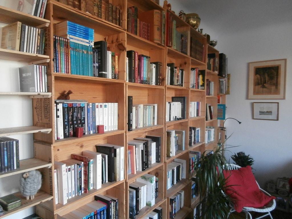 BComment fabriquer une bibliothèque avec des caisse de vins