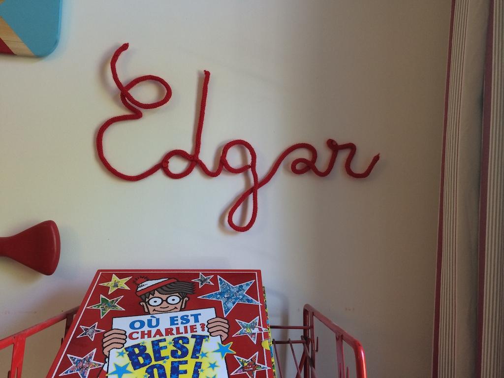 tricotin automatique comment écrire un mot avec de la laine et du fil de fer