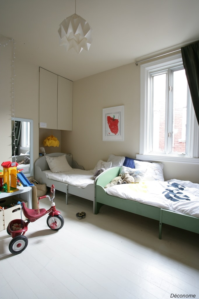 Kid's room with white floors / chambre d'enfants parquets blancs