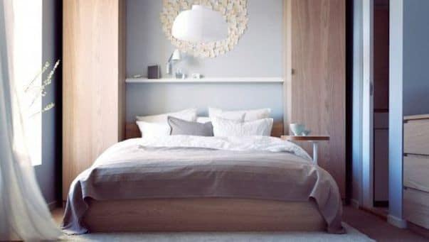 Armoires pax IKEA en tête de lit