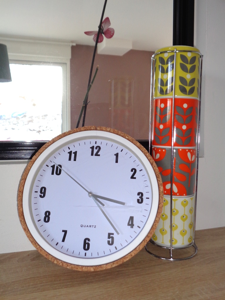 DIY horloge avec contour en liège