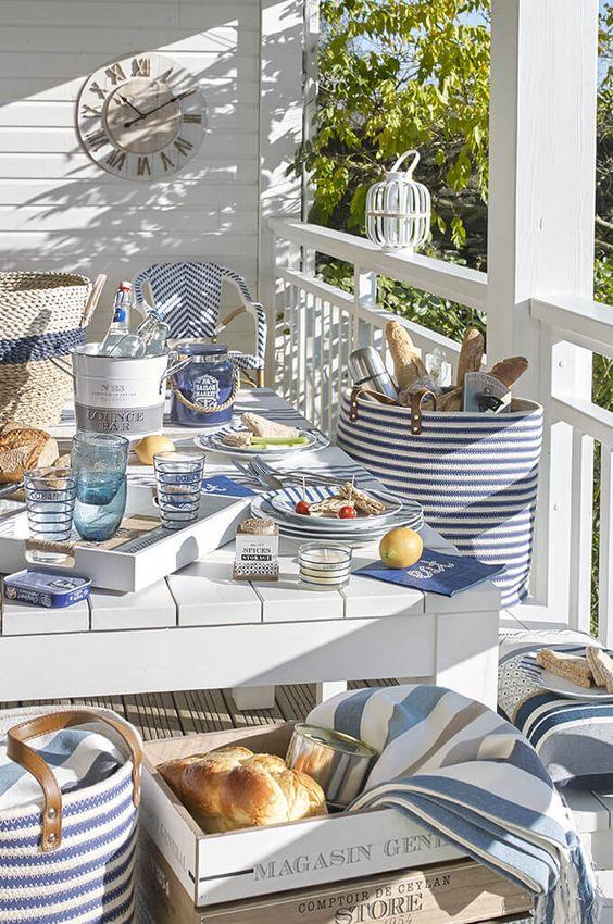 tendance table 2017 bleu marine rayé - Styles déco nautique et bord de mer