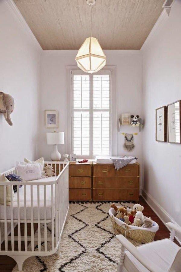 chambre de bébé au look naturel avec bois et tapis boucherrouite