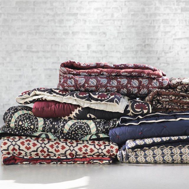 les tissus d 39 ailleurs pour ajouter de la couleur dans son int rieur d conome. Black Bedroom Furniture Sets. Home Design Ideas