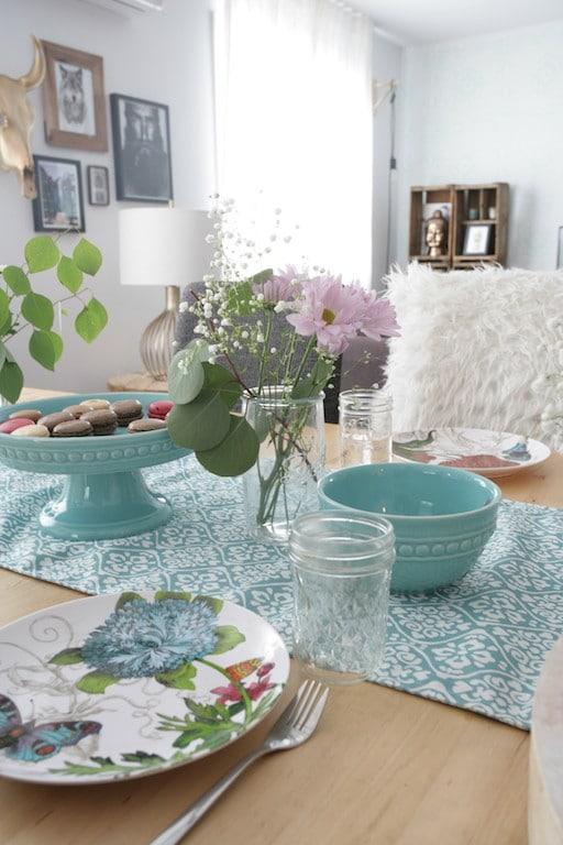 bohemian table / table décorée de façon bohème