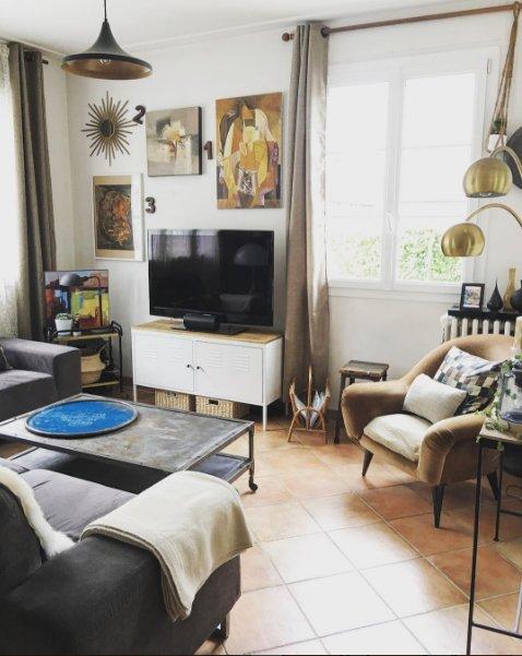 IKEA hack meuble télé avec planche en pin
