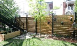 Comment on a construit notre clôture en bois horizontale
