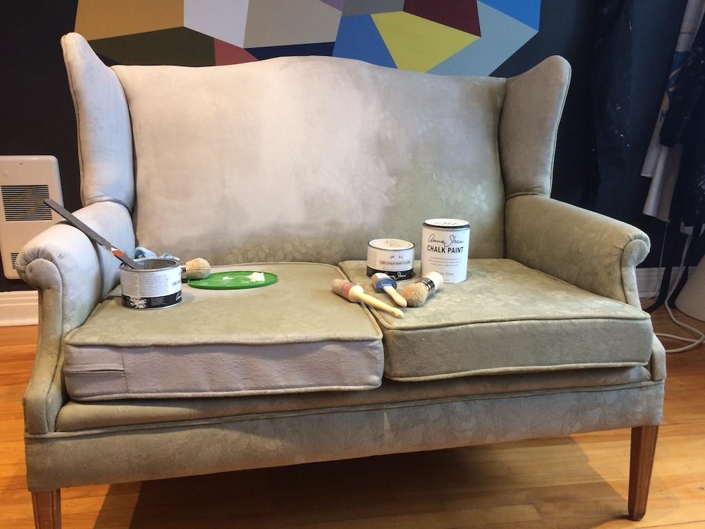 How to paint a sofa with chalk paint / Comment peindre un fauteuil ou un canapé avec la peinture Chalk Paint d'Annie Sloan