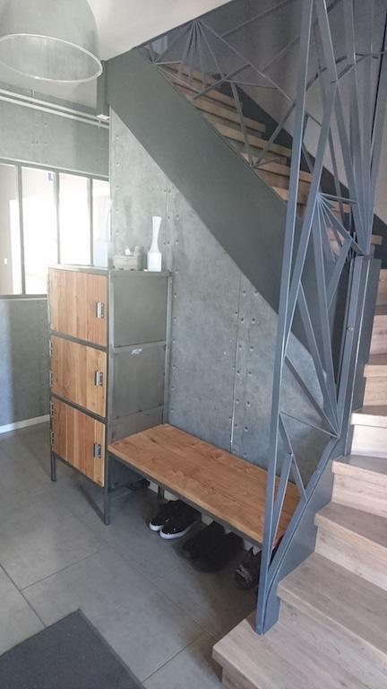 Fabriquer une verrière soi même et casiers dans un style industriel