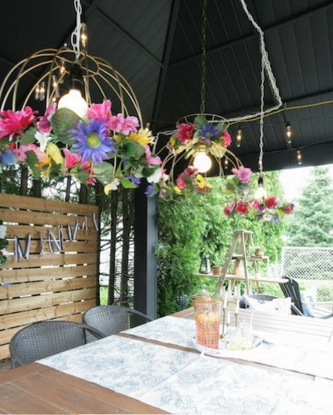 fabriquer un luminaire de jardin avec des fleurs artificielles / DIY garden lamp chandelier with artificial flowers