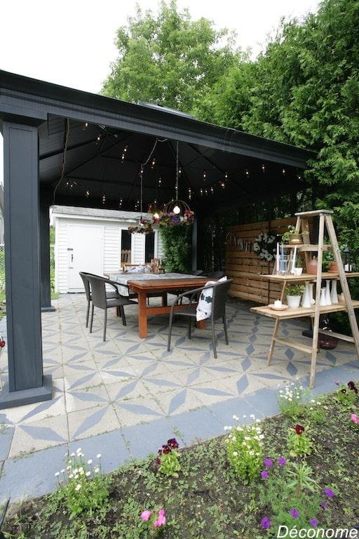 Peindre des dalles de terrasses en ciment au pochoir / DIY painted patio terrasse concrete tiles with stencil