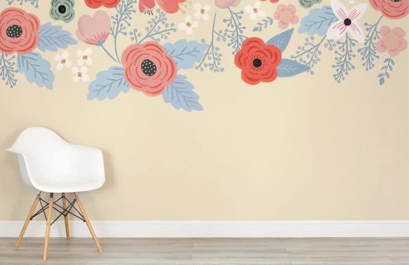 Peindre des fleurs géantes vintage au mur