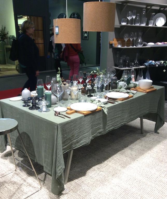 Table avec nappe en lin de chez Harmony Textile salon maison & Objet 2017