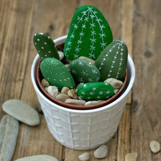 DIY cactus avec gallet / Pebble cactus painted