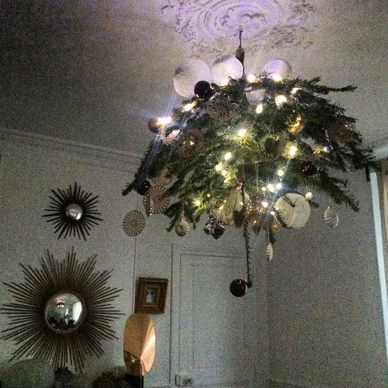 sapin au plafond / christmas tree hanging on the ceiling