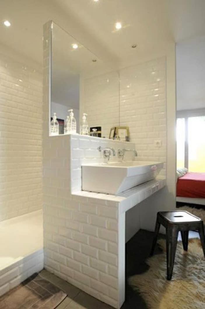 carreler un meuble lavabo pour une salle de bain unique d conome. Black Bedroom Furniture Sets. Home Design Ideas