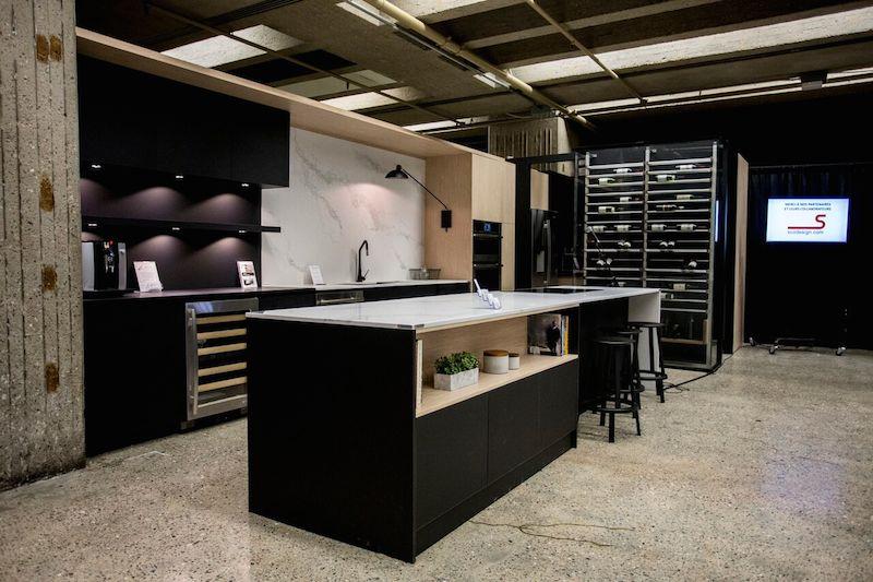 Cuisine noire marbre et bois