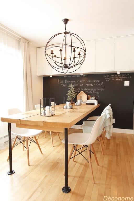 table DIY planches bois et tuyaux plomberie