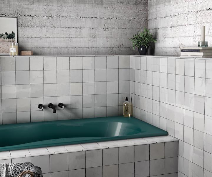 avantage muret derrière baignoire