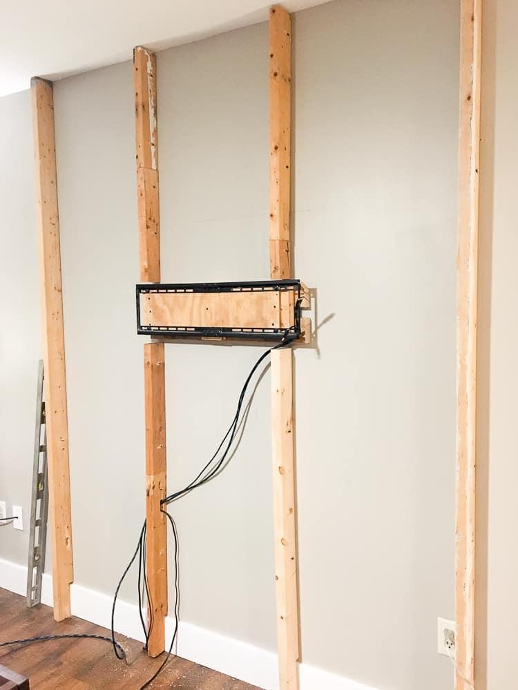 4 façons de cacher des fils électriques et câbles au mur | Déconome