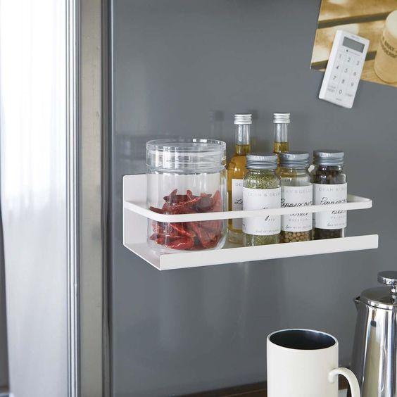 étagère magnétique pour frigo