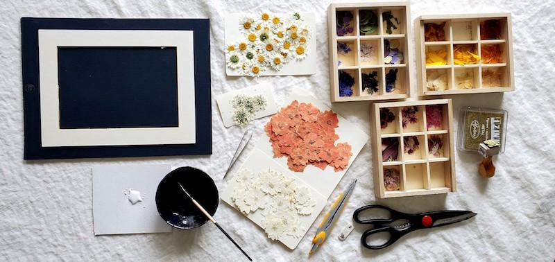 Tableaux de fleurs séchées et pressées / Pressed flower art