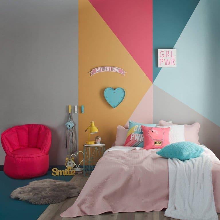 conseils de peinture chambre ado mur peinture triangles multicolore